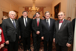 from left: Olgierd Dziekoński, Secretary of State of Poland, Jerzy Orkiszewski, President of US-Polish Trade Council; Stan Lewandowski, Esq., Director and Secretary of US-Polish Trade Council; Bronisław Komorowski, President of the Republic of Poland; Prof. Piotr Moncarz, Chairman of US-Polish Trade Council