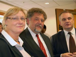 from left: Alicja Orkiszewski, MD, Ph.D.; Jerzy Orkiszewski, President of US-Polish Trade Council; Waldemar Pawlak, Deputy Prime Minister of the Republic of Poland